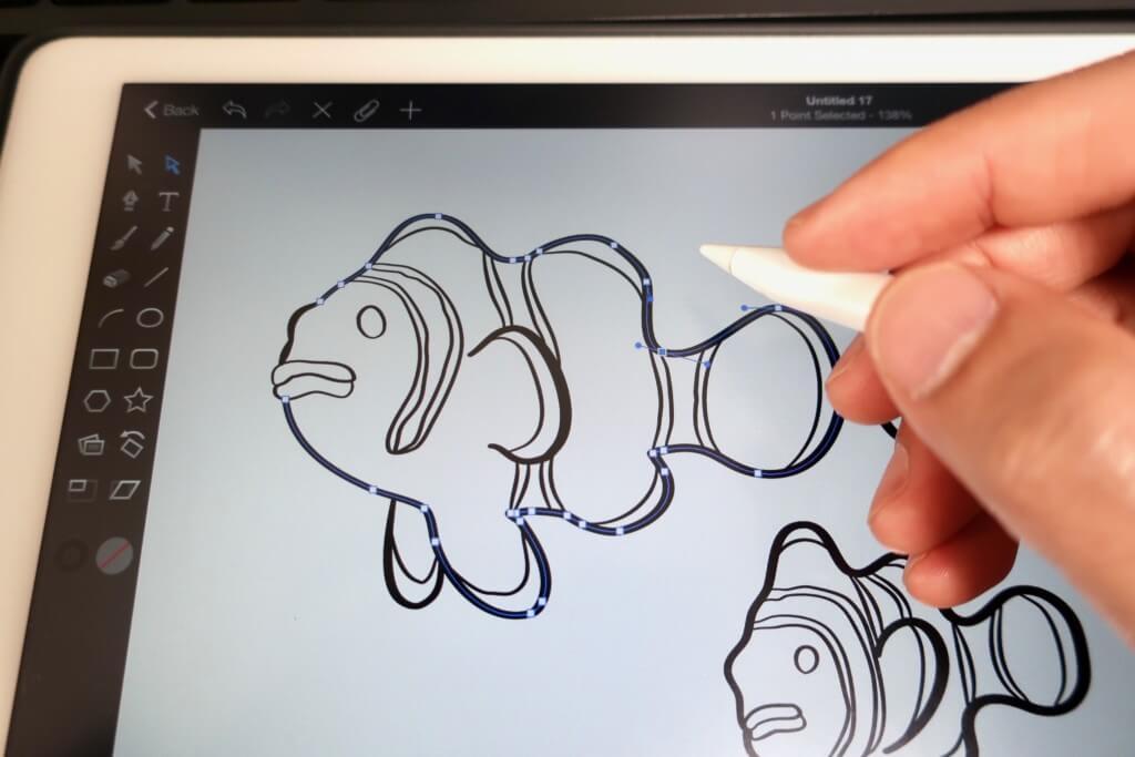 【スマホケースデザイン】モノトーンのクマノミ柄を描いてみた!