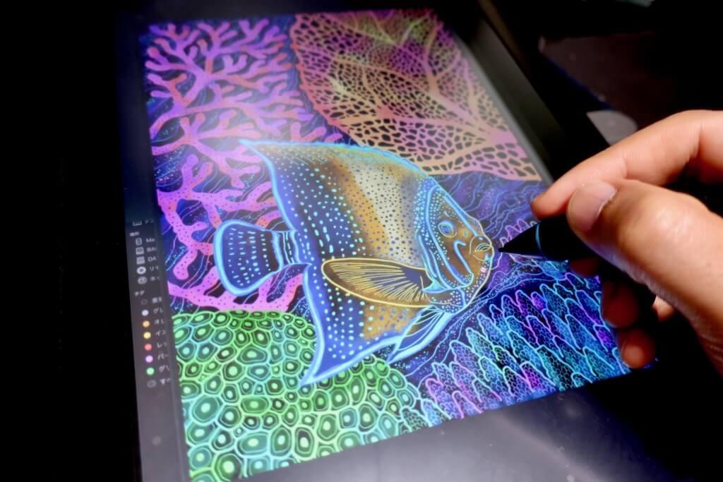 【魚のイラスト】サザナミヤッコとサンゴの海を描いてみた!